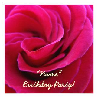 Tarjetas subiós rosa de la flor de la fiesta de cu comunicados personalizados