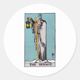 tarot-hermit classic round sticker