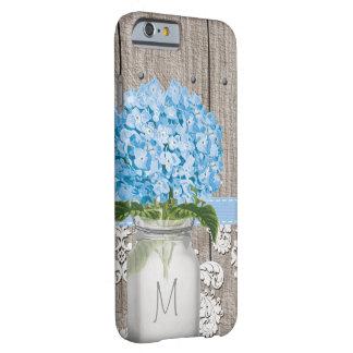 Tarro de albañil azul del monograma del Hydrangea Funda Barely There iPhone 6