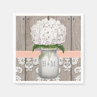 Tarro de albañil blanco con monograma coralino del servilletas desechables