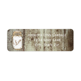 Tarro de albañil de madera del granero que casa et etiqueta de remite