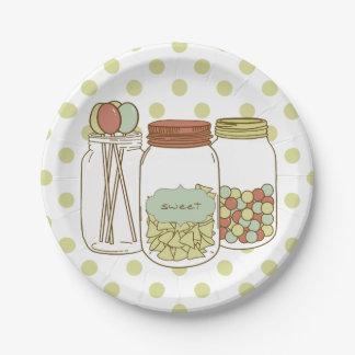 tarro de albañil dulce y placas de papel del platos de papel