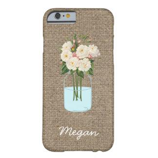 Tarro de albañil personalizado de la flor blanca funda de iPhone 6 barely there