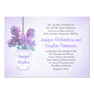 tarro de albañil y invitación púrpura del boda del