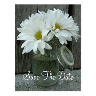 Tarro de margaritas que casan reserva la fecha tarjetas postales