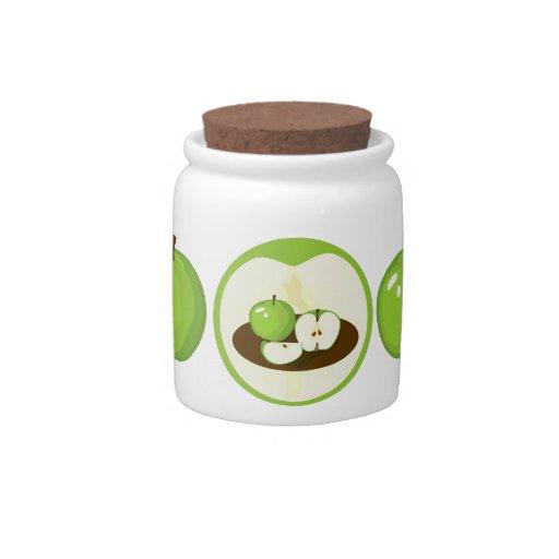 Tarro verde de las manzanas platos para caramelos