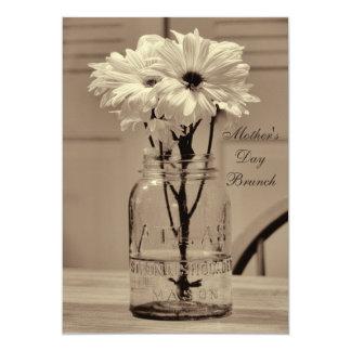 Tarro y margaritas de albañil de la sepia del invitación 12,7 x 17,8 cm