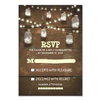 tarros de albañil rústicos y tarjetas ligeras de invitaciones personalizada