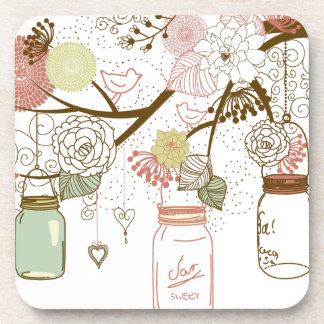 Tarros de albañil y flores bonitas