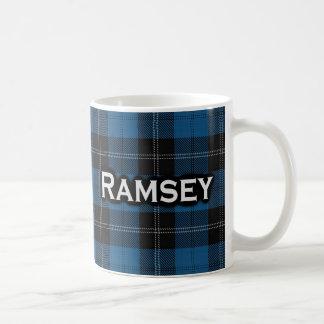 Tartán azul escocés de la caza de Ramsay Ramsey Taza