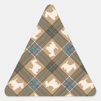Tartán de la tela escocesa del perro del escocés pegatina triangular