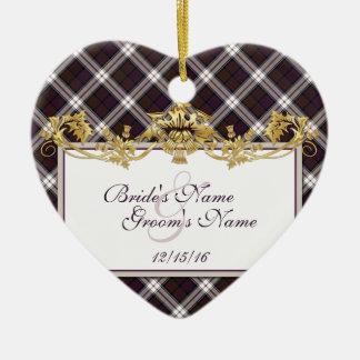 Tartán y cardos de MacDonald del clan que casan Adorno Navideño De Cerámica En Forma De Corazón