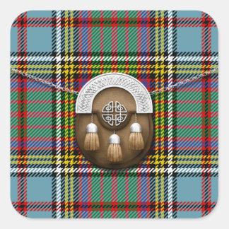 Tartán y escarcela de los montañeses de Escocia de Pegatina Cuadrada