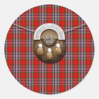 Tartán y escarcela de los montañeses de Escocia Pegatina Redonda