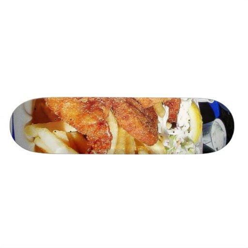Tártaro de los pescados de las tortas de cangrejo  skateboards