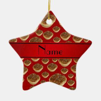 Tartas rojas conocidas personalizadas de la manteq ornamento de navidad