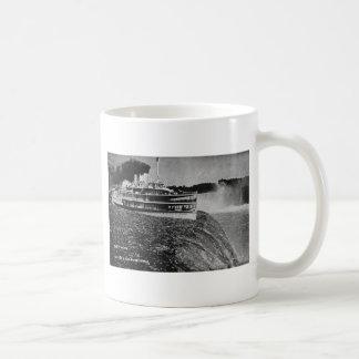 Tashmoo Over Niagra Falls Vintage Trick Photo Mug
