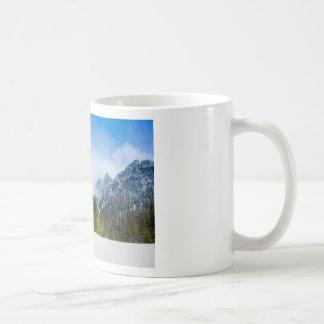 Tatry, paisaje de la montaña, invierno, nieve taza clásica