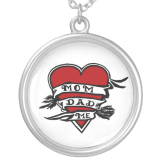 Tattoo like design: Mom, Dad and me Round Pendant Necklace