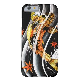 Tatuaje afortunado de los pescados de Koi del oro Funda Para iPhone 6 Barely There