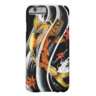 Tatuaje afortunado de los pescados de Koi del oro Funda De iPhone 6 Barely There