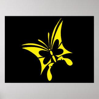 Tatuaje amarillo tribal de la mariposa poster