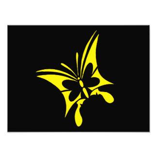 Tatuaje amarillo tribal de la mariposa arte fotográfico