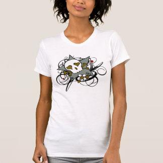 Tatuaje artístico urbano de la estrella del cráneo tee shirt