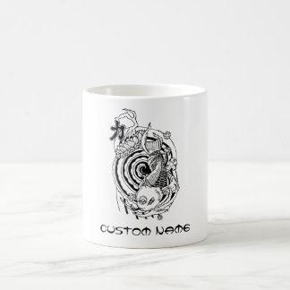 Tatuaje blanco negro oriental fresco de los pescad tazas
