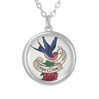 Tatuaje del Bluebird de Carpe Diem Colgante Redondo