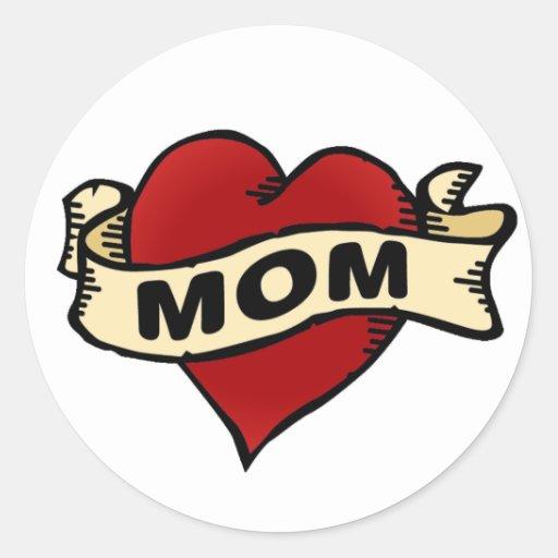 Tatuaje del corazón de la mamá pegatina redonda