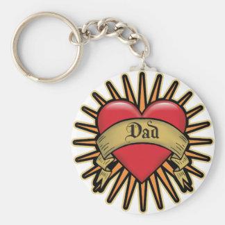 Tatuaje del corazón del papá llavero redondo tipo pin