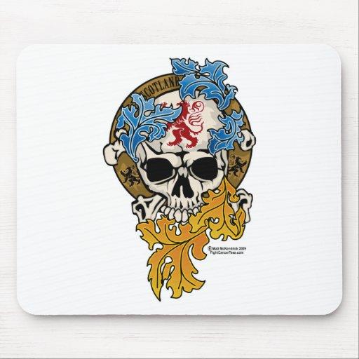 Tatuaje del cráneo de Escocia Tapetes De Ratones