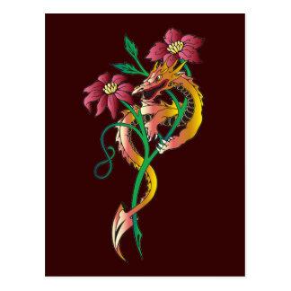 Tatuaje del dragón y de la flor postal
