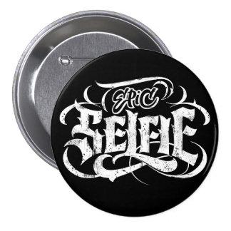 Tatuaje del Grunge que pone letras al botón negro Pin Redondo De 3 Pulgadas