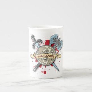 Tatuaje del LÍDER del RAID - espada hacha y escu Taza De Porcelana