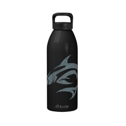 Tatuaje del tiburón botella de beber