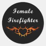 Tatuaje femenino del bombero etiquetas redondas