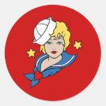 Tatuaje femenino del marinero pegatina redonda