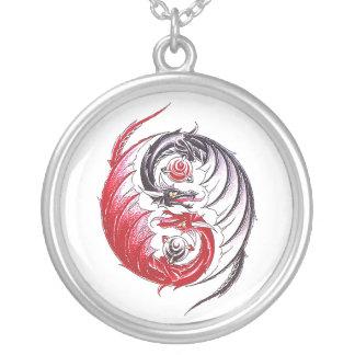 Tatuaje fresco de Yin Yang del dragón Colgante Redondo