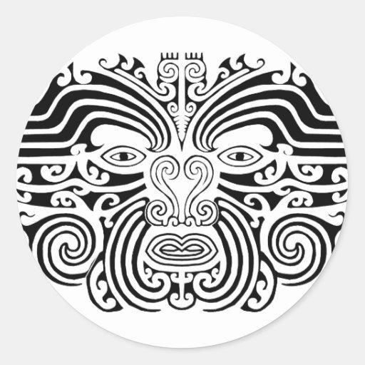 Tatuaje maorí - blanco y negro pegatina redonda