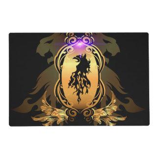 Tatuaje negro impresionante del león en un escudo tapete individual