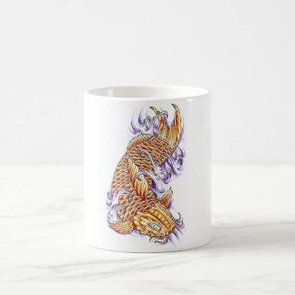 Tatuaje oriental fresco del oro de la carpa de los taza de café