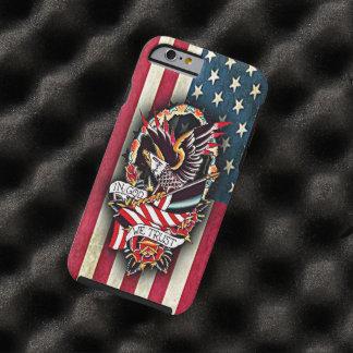 Tatuaje patriótico de Eagle calvo de la bandera Funda Resistente iPhone 6