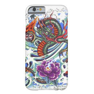 Tatuaje púrpura oriental fresco de Lotus del Funda Para iPhone 6 Barely There