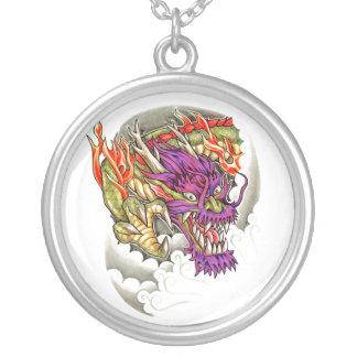 Tatuaje púrpura oriental fresco del dragón colgante redondo