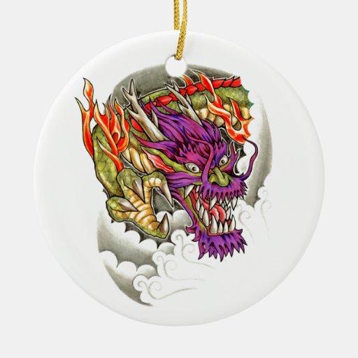 Tatuaje púrpura oriental fresco del dragón adorno redondo de cerámica