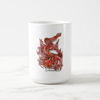 Tatuaje rojo oriental fresco del dragón taza clásica