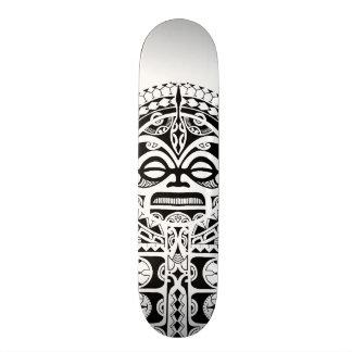 Tatuaje tribal de la máscara de Tiki del polinesio Monopatines Personalizados