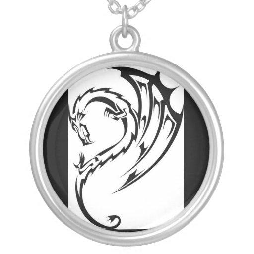 tatuaje tribal del dragón colgantes